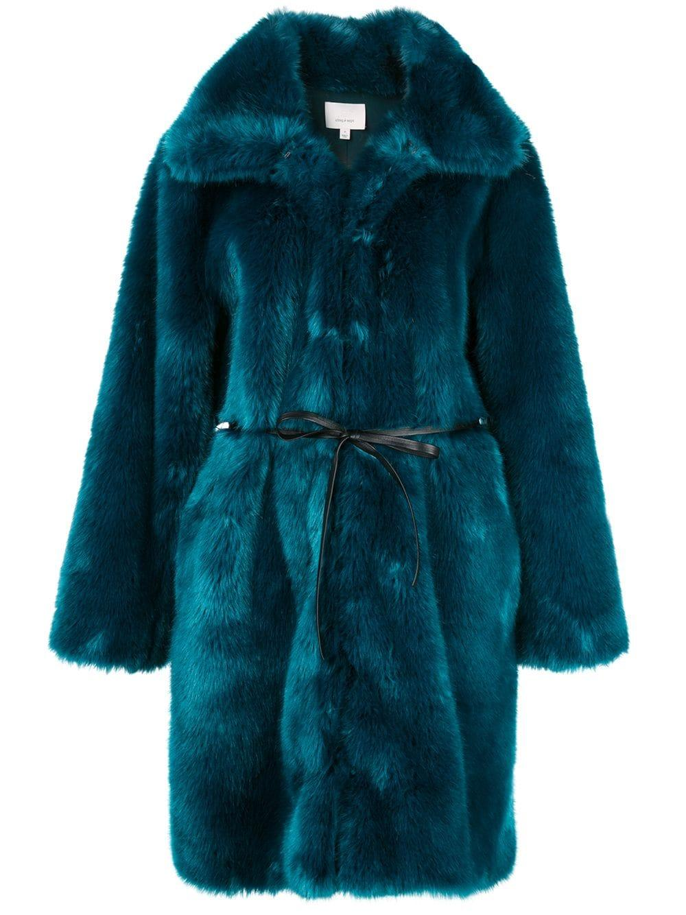 Sara Long Fur Coat Item # ZC0353169Z