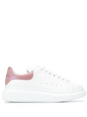 2-Tone Stingray Sneaker