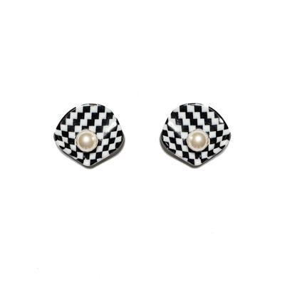 Clamshell Button Earrings