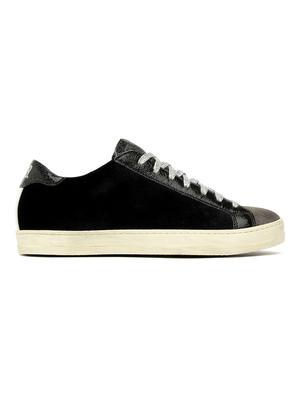 John Velvet Sneaker